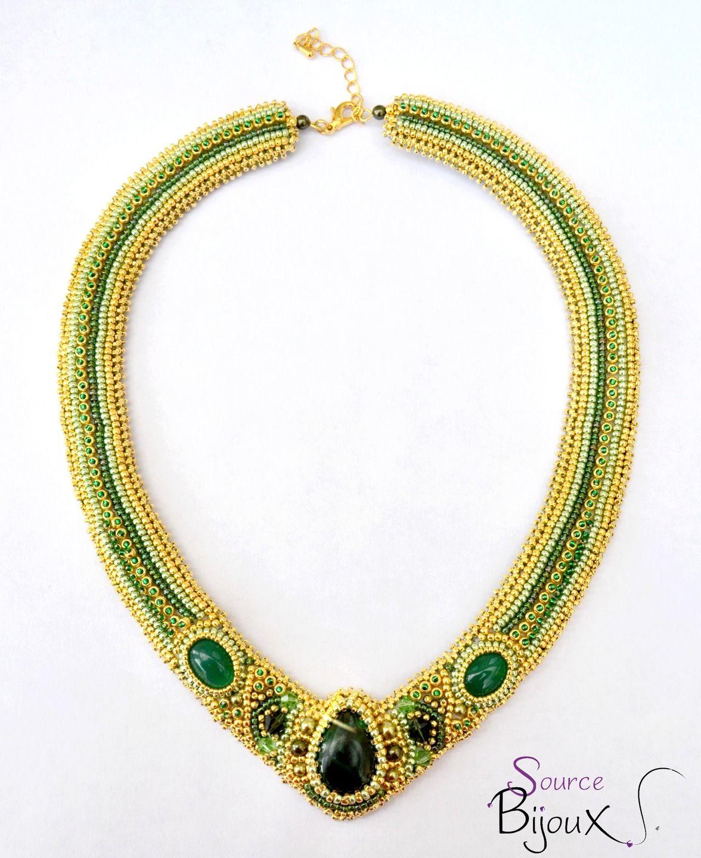 Collier Brodé Malachite Vert Doré : Collier par source-aux-bijoux