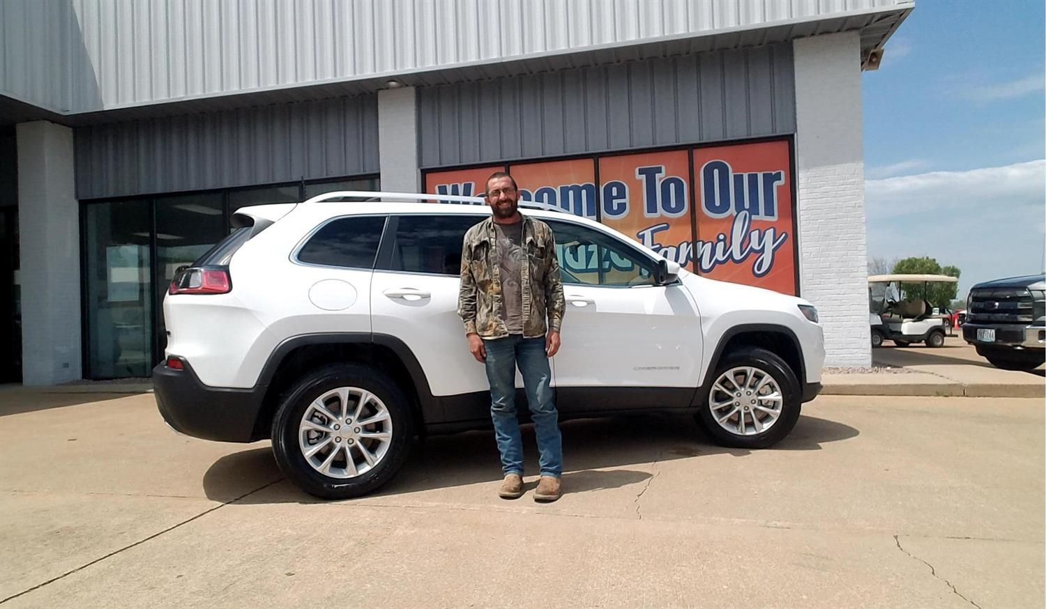 Brad Wishing You Many Miles Of Smiles In Your 2019 Jeep Cherokee All The Best Auto Plaza Cdjr Farmington And Chris Engelage Jeep Cherokee Farmington Jeep
