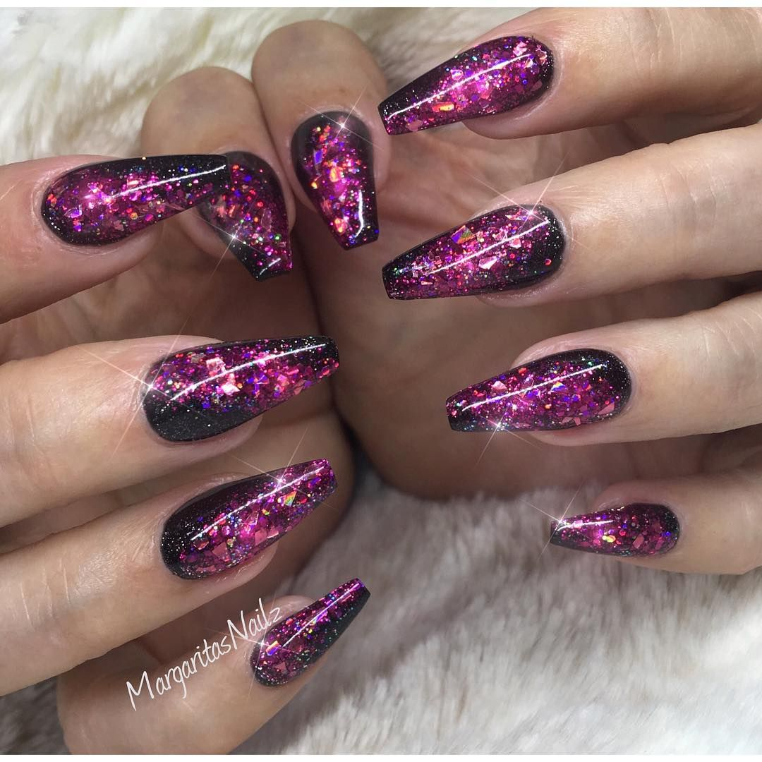 "Photo of 🌸MargaritaP🌸SculptedGelNails on Instagram: ""✨✨✨✨ #glitternails #nails #nailart #MargaritasNailz #coffinnails #nailfashion #gelnails #vetrogel #nailartaddict #naildesign #nailswag…"""