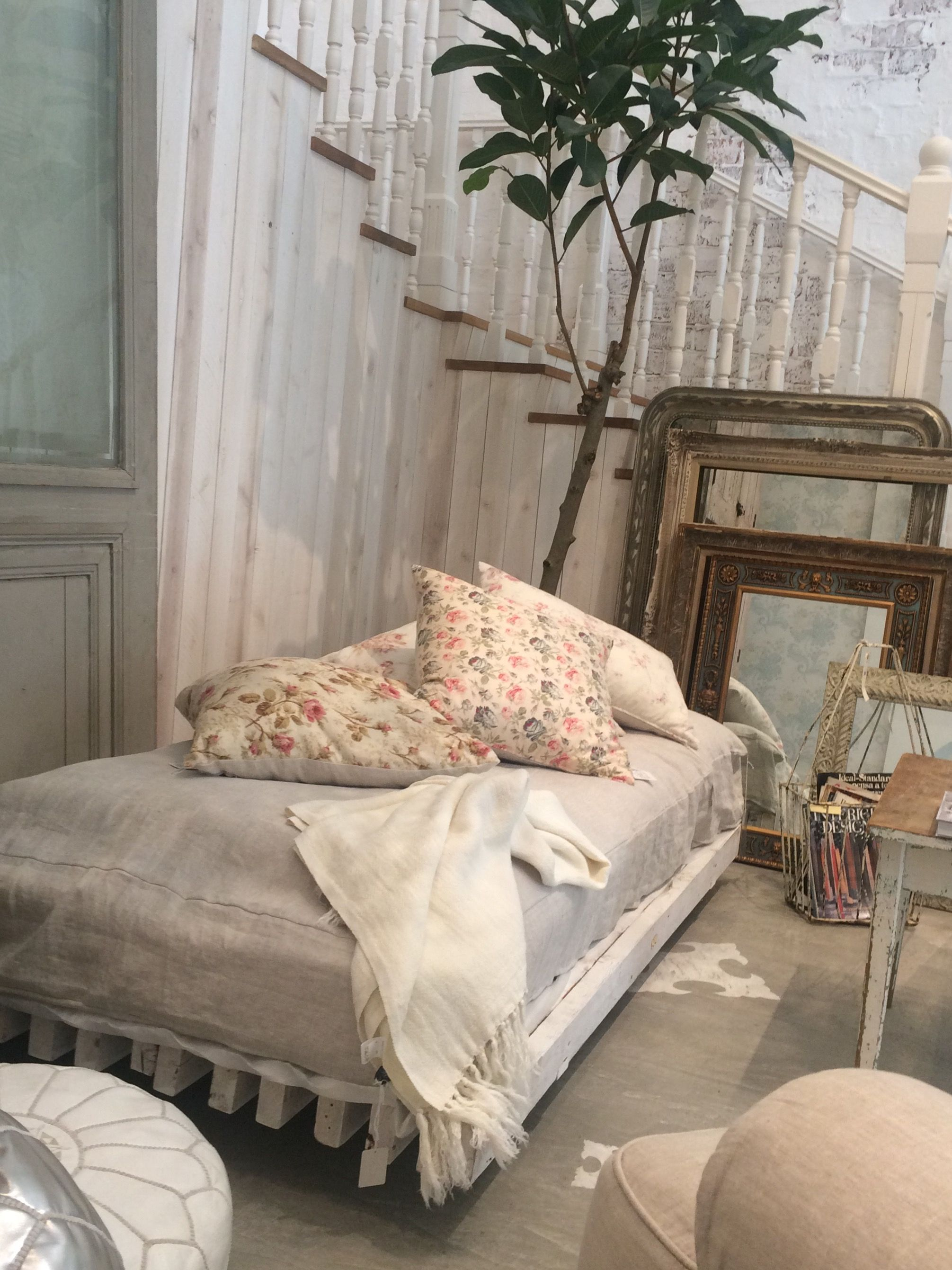 shabby chic couture furniture. Rachel Ashwell Shabby Chic Couture -Japan Furniture