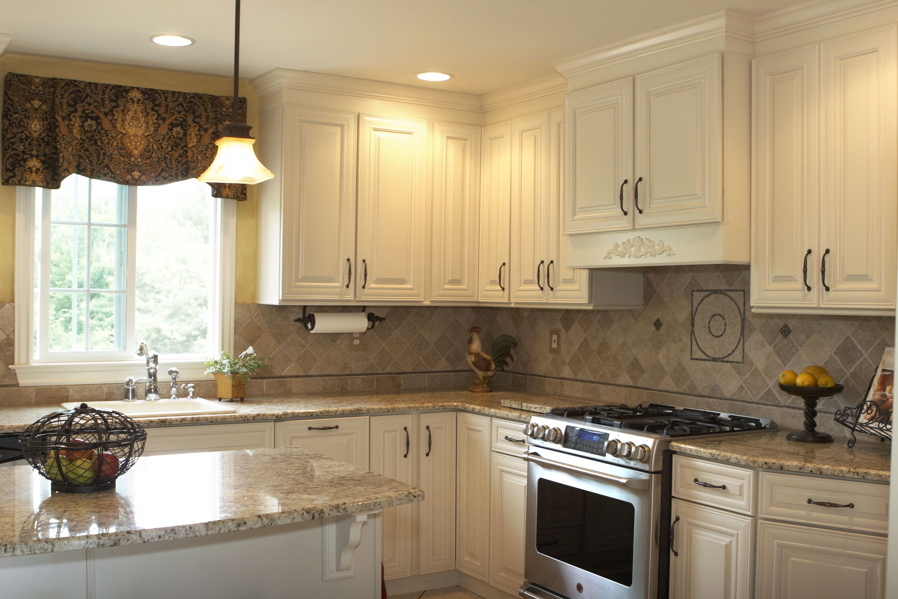Applying 16 Bright Kitchen Paint Colors: French Country White Cabinets Brighten Up My Favorite