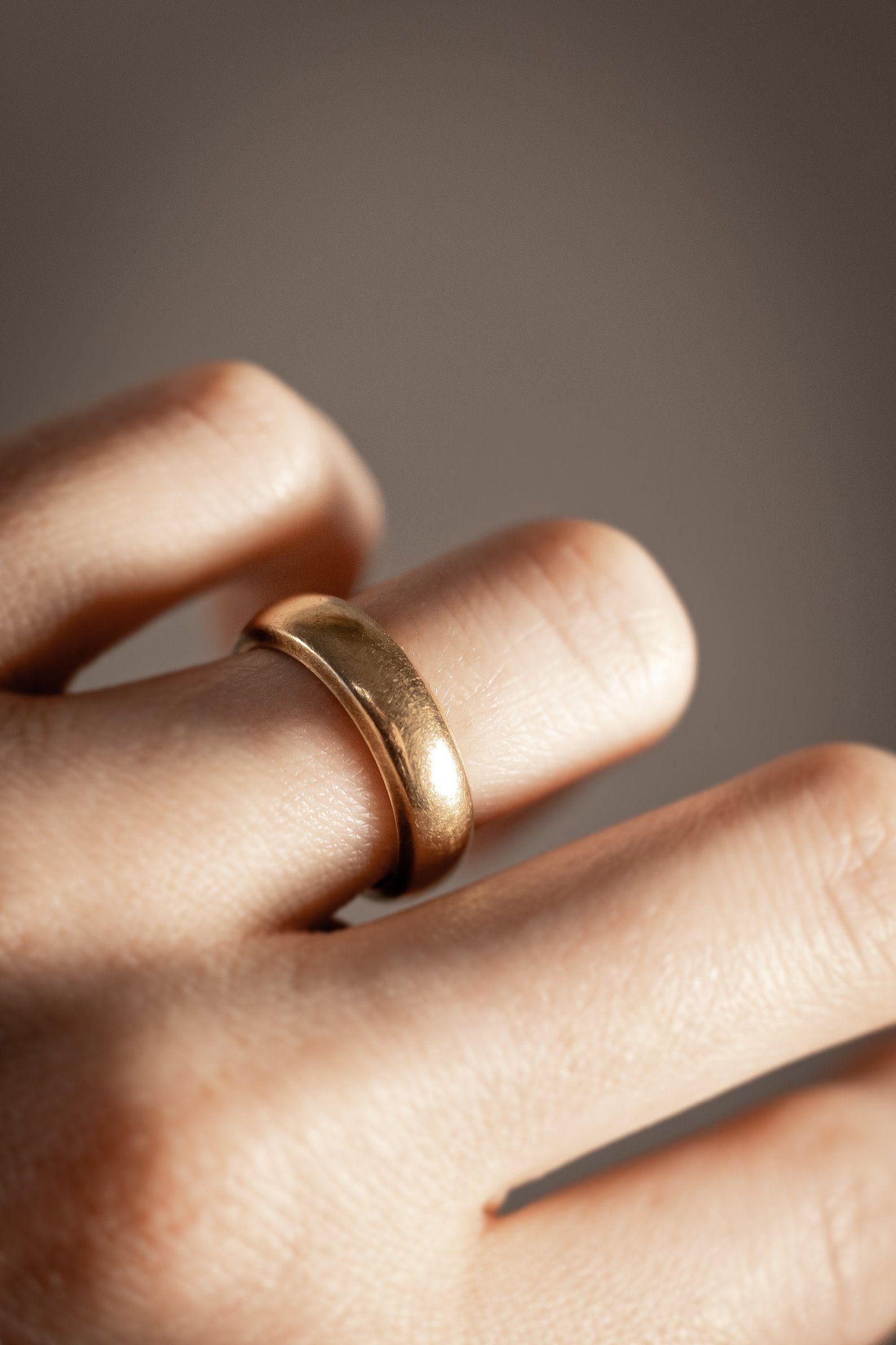 Victorian 10k Rose Gold Wedding Band Minimalist Stacking Etsy Rose Gold Wedding Bands Wedding Bands Rose Gold
