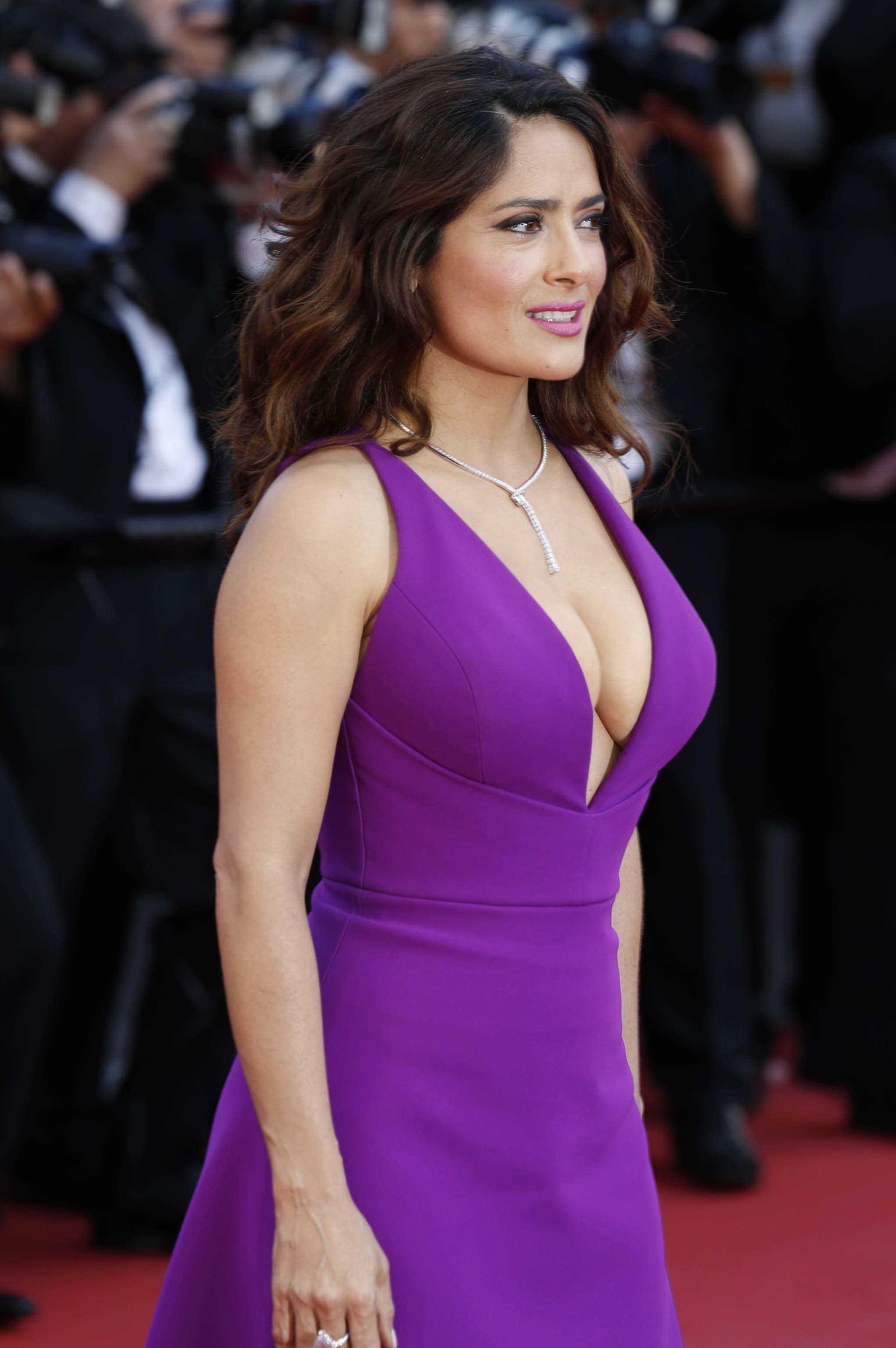 Salma Hayek - Famous Nipple