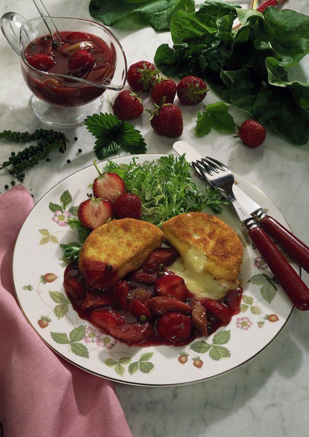Unser beliebtes Rezept für Gebackener Camembert mit Erdbeer-Rhabarberkompott und mehr als 55.000 weitere kostenlose Rezepte auf LECKER.de.