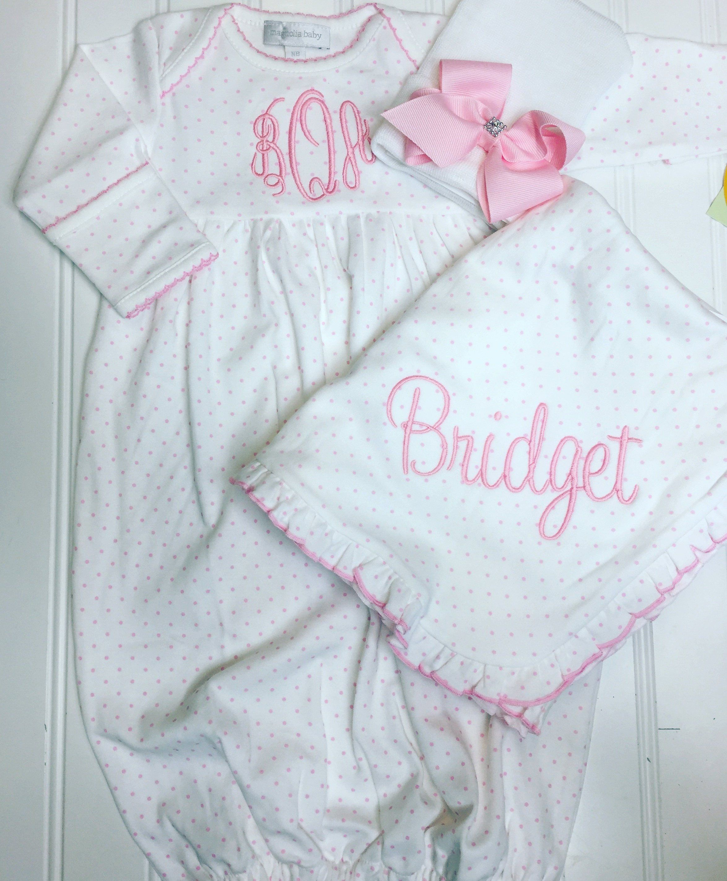 1e4f95e9b5280 Baby girl coming home outfit