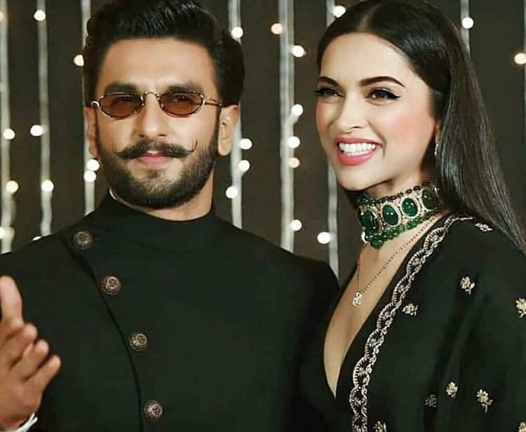 Deepika Padukone And Ranveer Singh Won Our Hearts With Their Ravishing Appearance At Priyanka Nick S Reception Hungryboo Bollywood Outfits Bollywood Celebrities Indian Celebrities