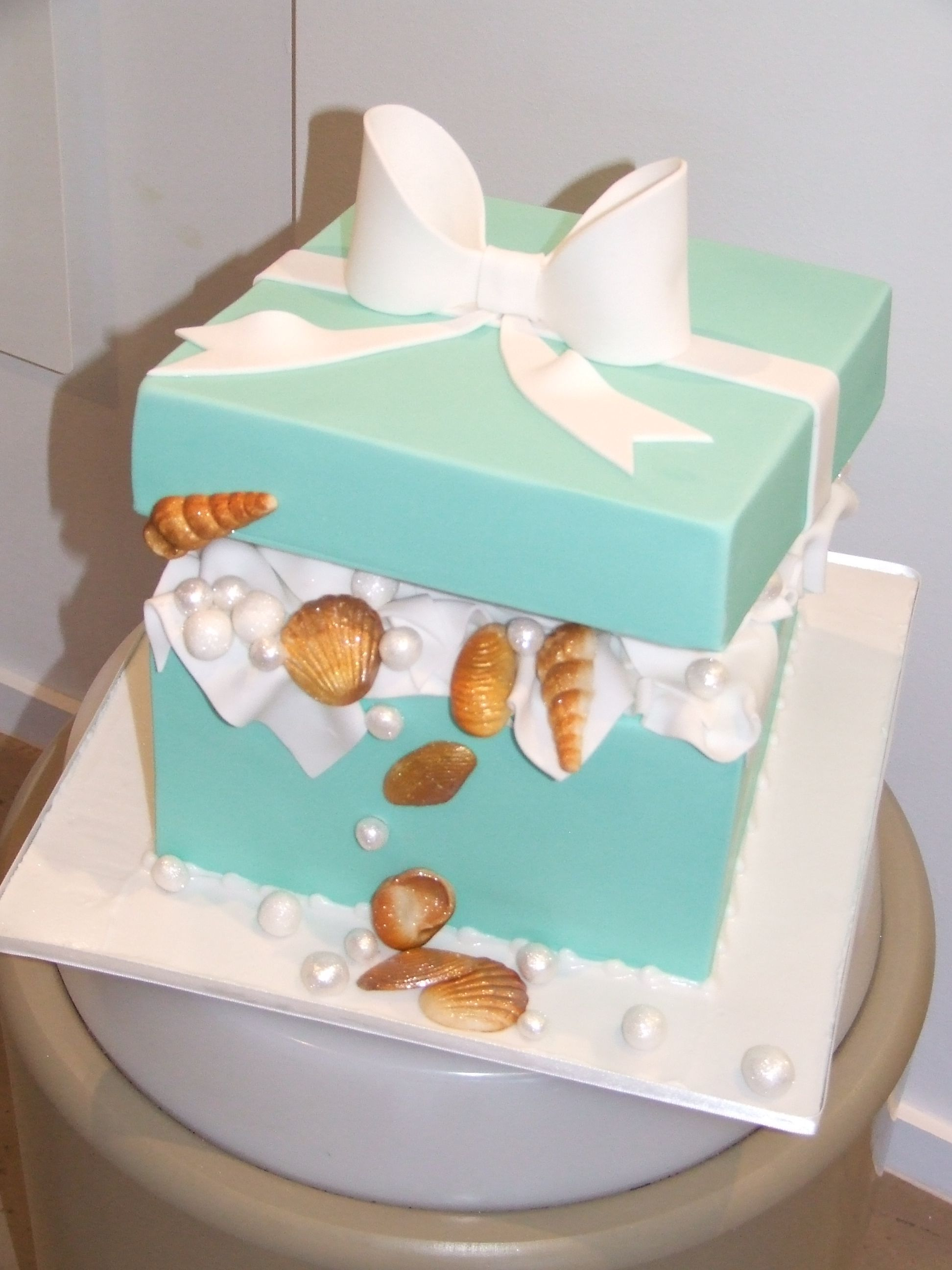 Cake! Tiffany box, edible pearls and seashells made from fondant. I made this for a 16th Birthday today. Jade Lipton xx