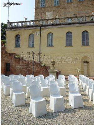 http://www.lemienozze.it/gallerie/foto-fiori-e-allestimenti-matrimonio/img27253.html Cerimonia all'aperto presso la location matrimonio