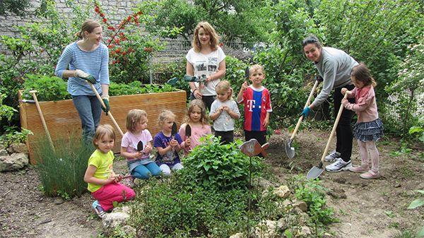 Gartenwerkzeug für Juniors im Kindergarten getestet ♥ Wir sagen DANKE! Handgeschmiedetes Werkzeug für Groß und Klein in Deutschland hergestellt. www.4betterdays.com