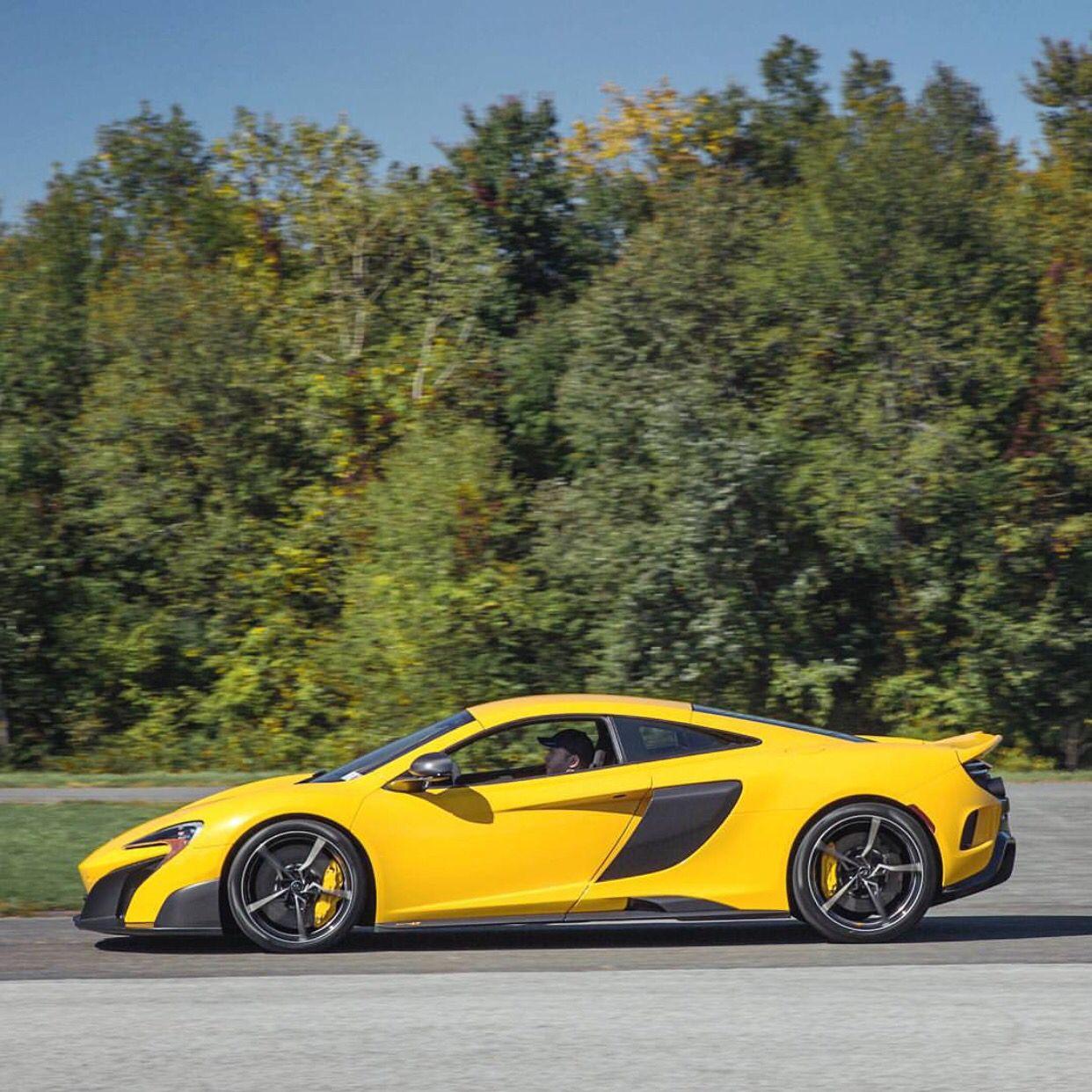 McLaren 675LT painted in Volcano Yellow Photo taken by