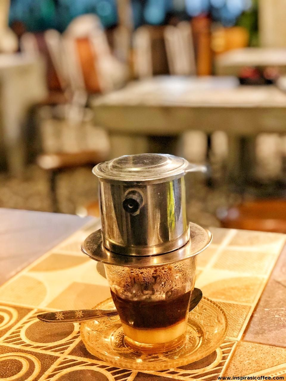 Baru pertama kali nyobain kopi Vietnam Drip. Rasanya wow