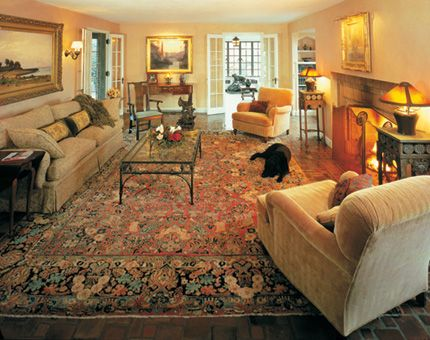Oriental Rug Room Settings Gallery: Elegant, Yet Cozy, The Antique Sarouk  Rug Fits