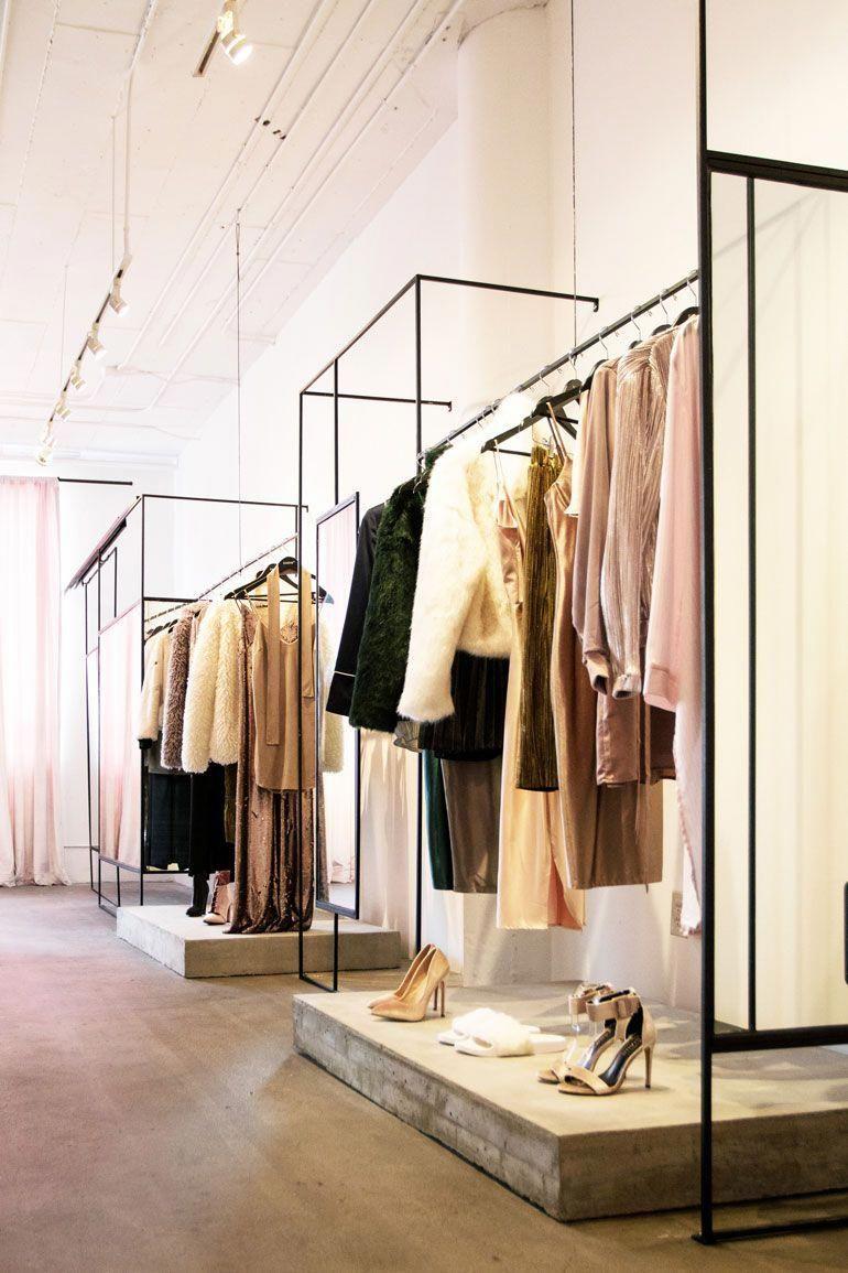 Top Interior Design Colleges Howinteriordesignerswork Post 6822470685 Bestinteriorpaint Clothing Store Interior Store Design Interior Fashion Retail Interior