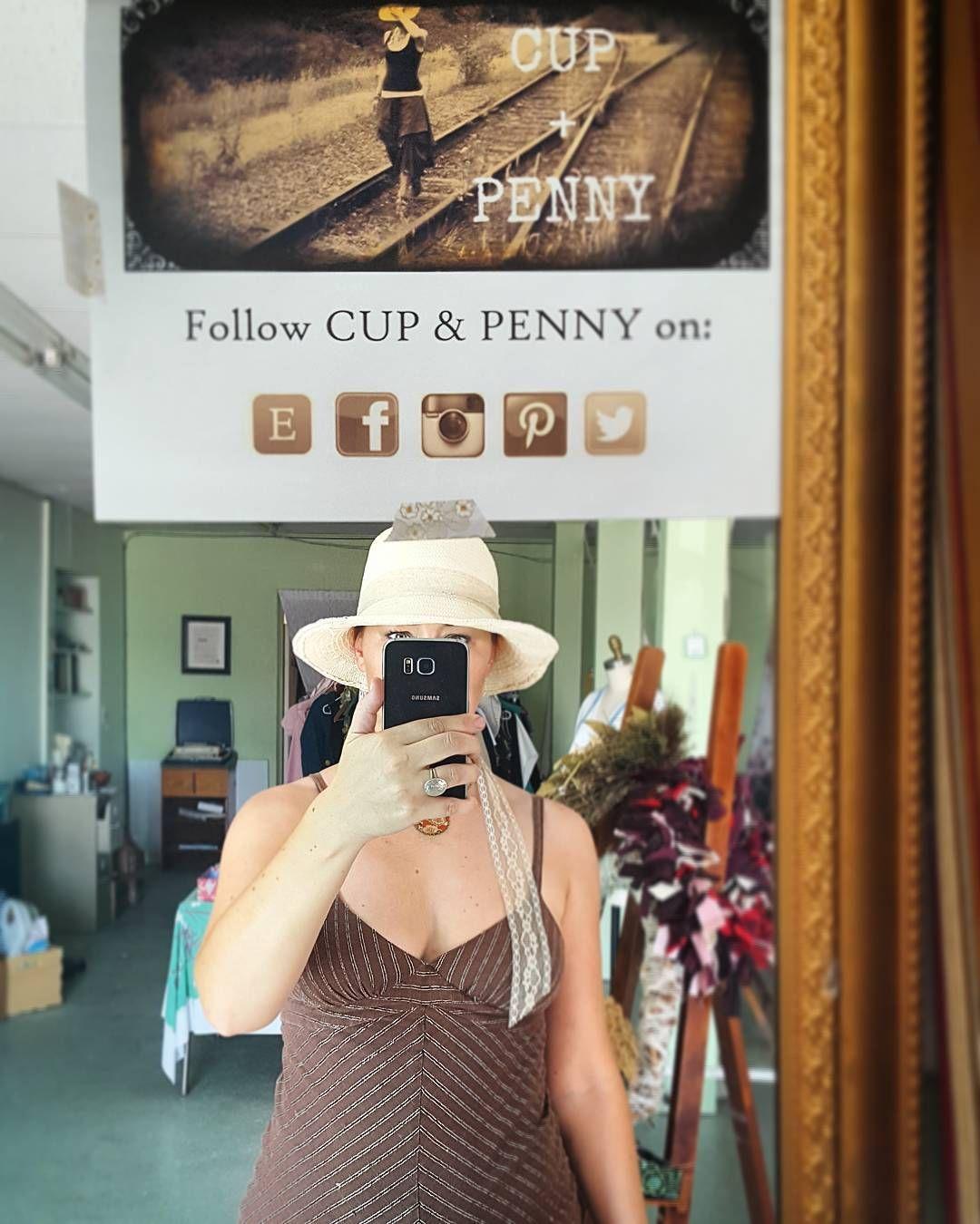 Heeeeyyyyyyy  #cupandpenny #mirror #selfies #selfiepromotion #shop #studio #workspace