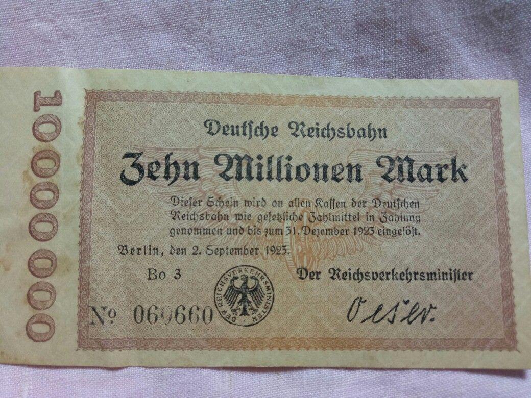 10 Millions Mark A D 1922 1923 Berlin Banknote