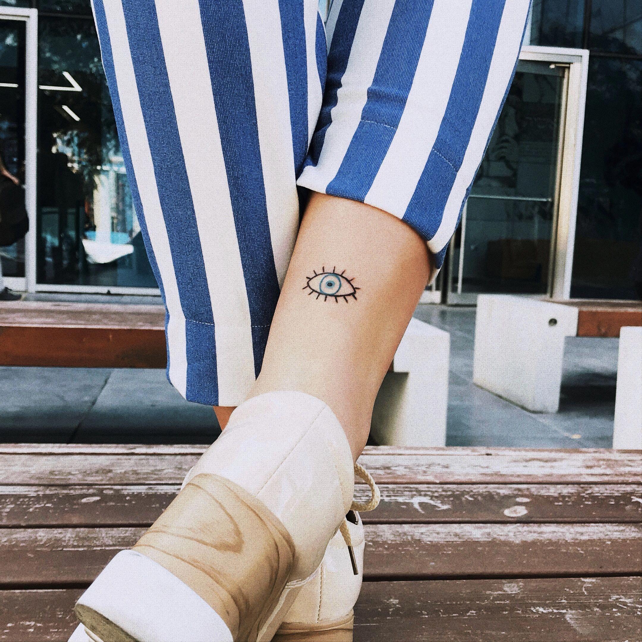 minimalist tattoo meaning Minimalisttattoos Minimalist