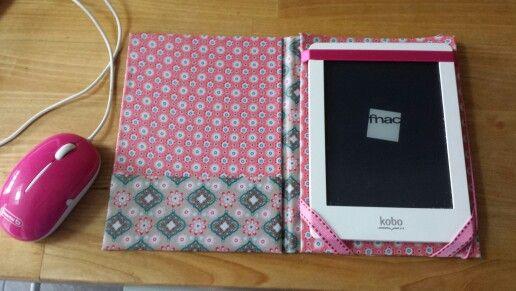une housse en tissu enduit pour ma liseuse kobo a faire couture tissu enduit et coudre. Black Bedroom Furniture Sets. Home Design Ideas