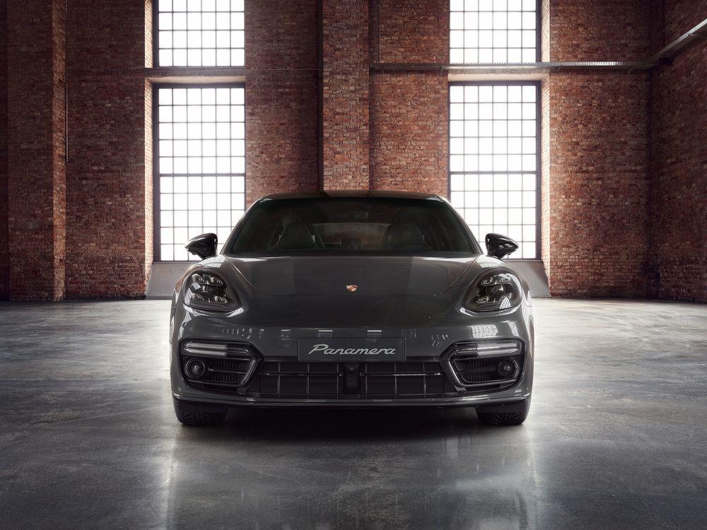 Porsche Panamera Volcanic Grey on grey mercedes g class, grey volkswagen golf, grey porsche gt3, grey porsche 914, grey toyota sienna, grey audi a7, grey porsche 918, grey volkswagen jetta, grey porsche 911 convertible, grey porsche 911 turbo, custom white panamera, grey acura rl, grey nissan gt-r, grey bmw m6 gran coupe, grey bmw 5 series sedan, grey lexus gx, grey rolls-royce phantom, grey audi a8, grey lincoln navigator, grey porsche macan,