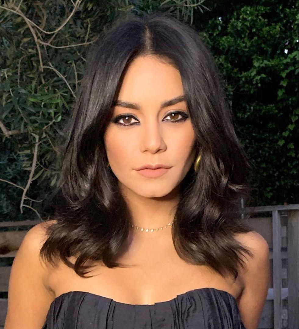 Vanessa Hudgens medium length hair style