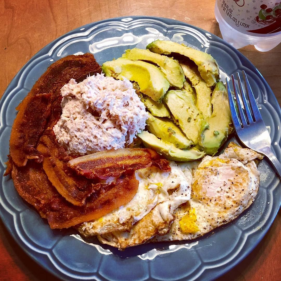 Intermittent Fasting One Meal A Day On Todays Menu 3 Fried Eggs 4 Strips Of Bacon Tuna And Avocado 1102 Calories One Meal A Day Keto Meal Prep Omad Diet