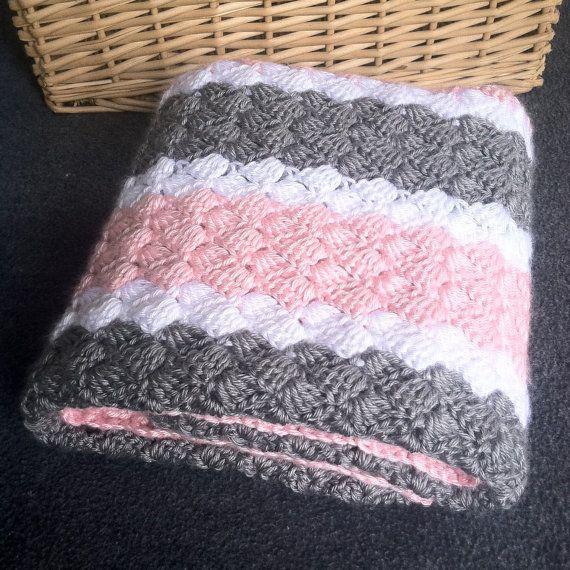 Crochet niña bebé manta - rosa hecho a mano, gris y blanco Stirped ...