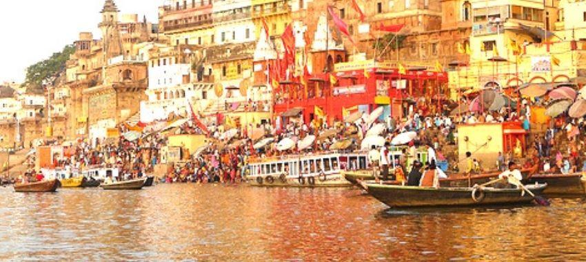 En India instalan red en el río Ganges para rescatar muertos de COVID-19