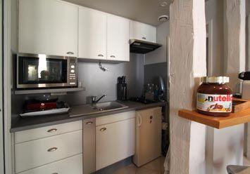 Cuisine : plaques de cuisson au gaz, cafetière Nespresso, micro-ondes-multifonctions…
