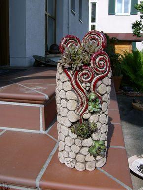 Gartendekoration hauswurzs ule 3 ein designerst ck von rote libelle bei dawanda coil clay for Terracotta gartendekoration