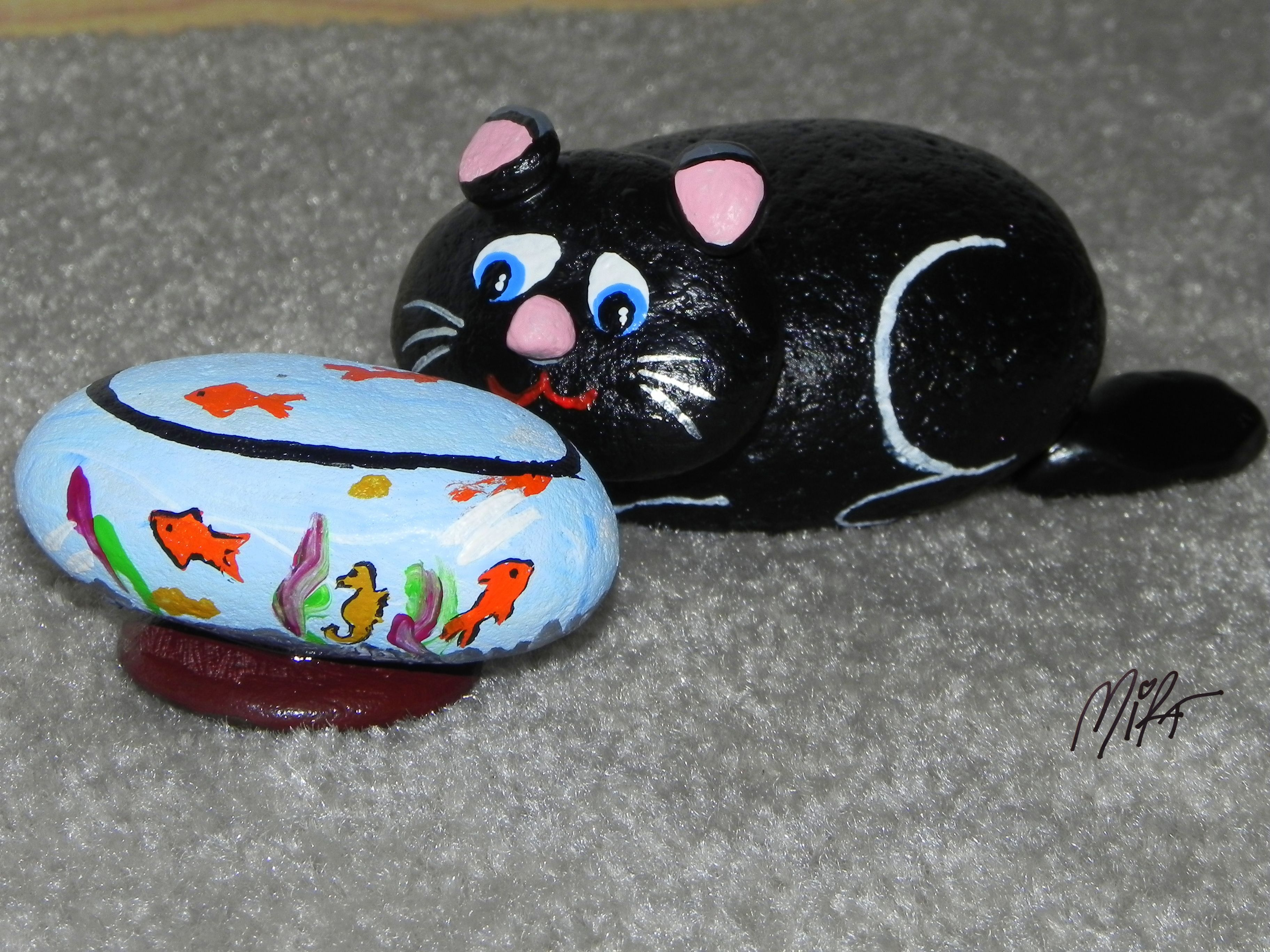 Cat fish bowl crafts painted rocks pinterest cat for Fish bowl rocks