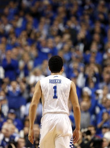 6f31614145da7 The crowd cheers for Kentucky's Devin Booker after he knocks down a shot.