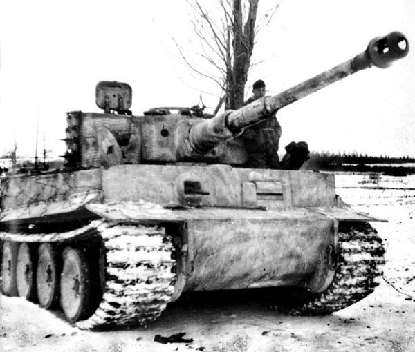 A rare photo of an German Tiger I tank in the Ardennes. By this time the production of the Tiger I was over. #WW2