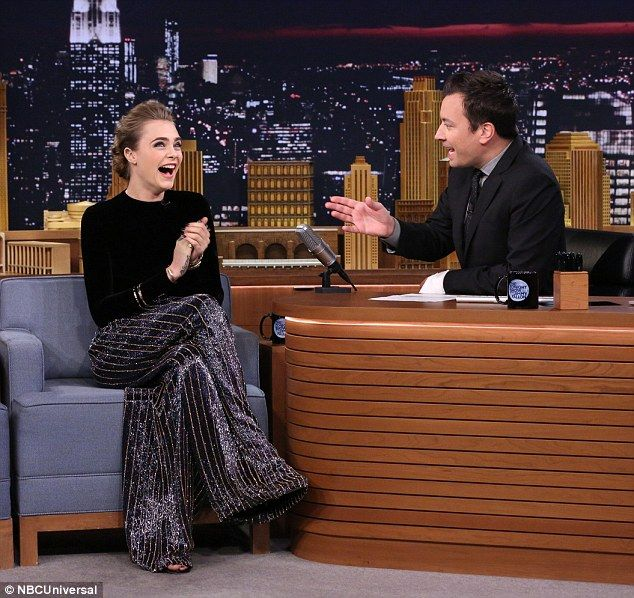 http://thecelebrityauction.co/wp2/cwitter-article/cara-delevingne-beat-boxes-with-jimmy-fallon-on-the-tonight-show/