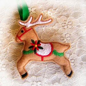 christmasornament3 - Sew-in-the-Hoop Felt Christmas Ornament
