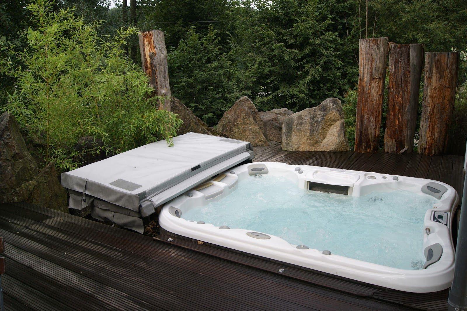 bayrischer wald viechtach au en whirlpool travel. Black Bedroom Furniture Sets. Home Design Ideas