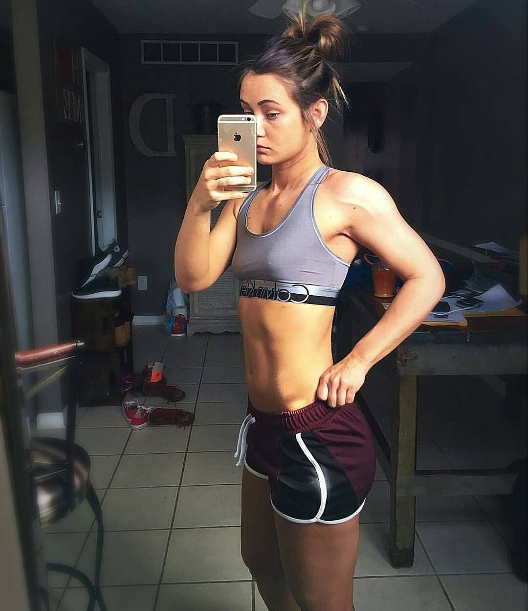 The fit and lean beauty😍💯 @corrina_westfall! 💪👌