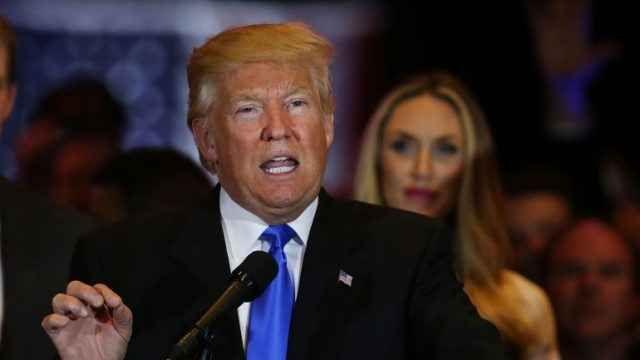 Inizia la parodia Trump: il video con le tic tac Inzia subito la parodia nei confronti del nuovo presidente degli stati uniti d'America. Tutti nel mondo sono ancora scossi da ciò che successo durante l'election day,pensando che sicuramente avesse v #trump #video #parodia #tictac