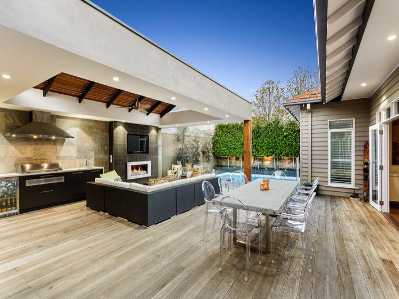 Outdoor kitchen and bbq area incorporating deck area for Outdoor cooking areas designs