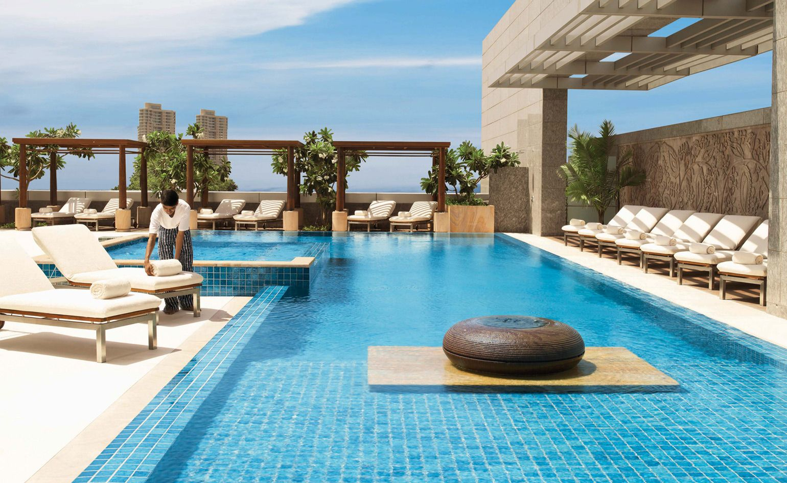 Hot Spots The Best Mumbai Hotels To Check Into For 2018 Travel
