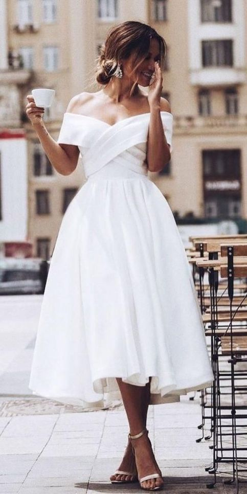 Simple Beach Wedding Dresses Off The Shoulder Short Bridal Gowns In 2020 Short Bridal Gown Tea Length Bridesmaid Dresses Tea Length Wedding Dress
