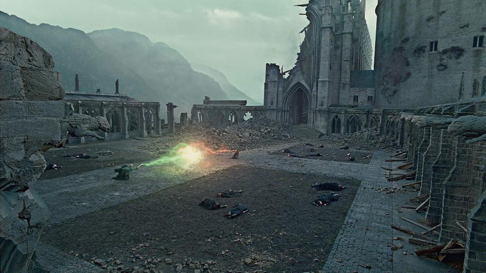 Harry Potter Y Las Reliquias De La Muerte Parte 2 2011 Películas De Harry Potter Fotos De Harry Potter Batalla De Hogwarts