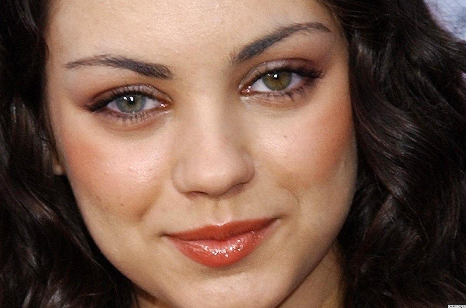 I Had No Idea Mila Kunis Has Heterochromia One Green Eye Brown