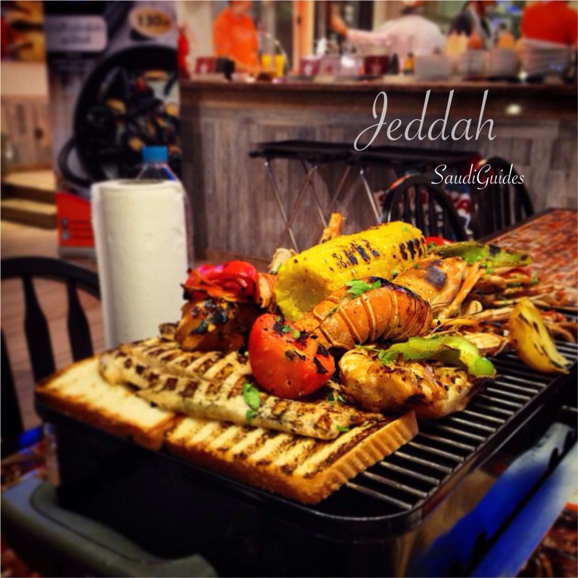 كيفكم مع العيد مأكولات بحرية جمبري استاكوزا كراب أسماك على الشواية من مطعم صيادية كراب هاوس شارع صاري جدة تصوير Food Film Noir Photography Breakfast