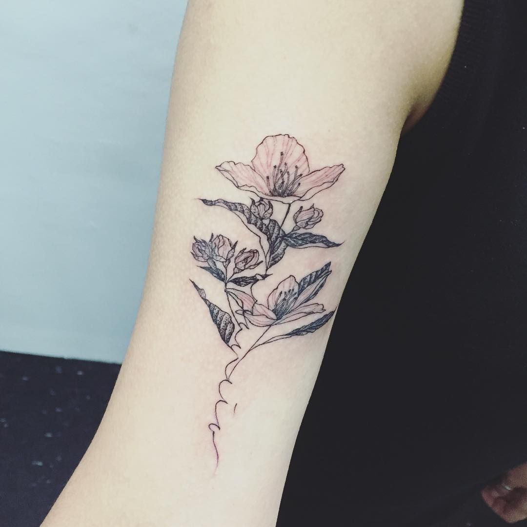 flower + lettering #flowertattoo #lettering #tattoo #tattoos #ink #tattooisthongdam #꽃타투 #레터링 #타투 #타투이스트홍담
