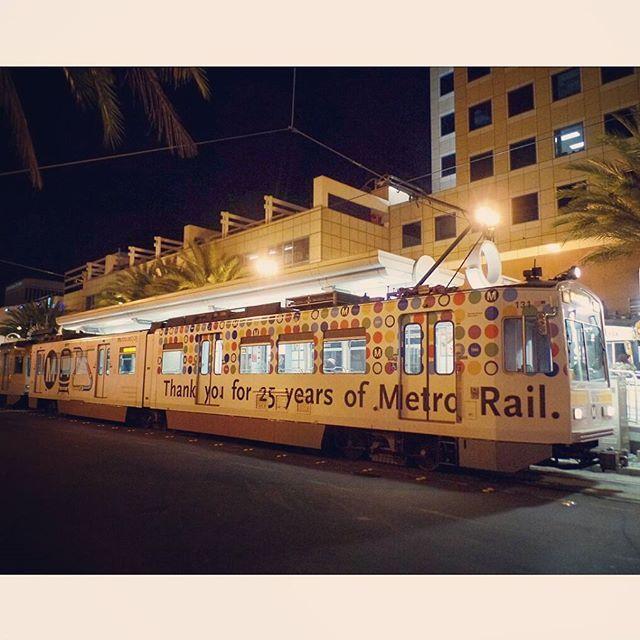 #MetroLosAngeles #LAMetro #GoMetro #MetroLosAngeles #MetroRail #MetroRail25 #MetroBlueLine #BlueLine #NipponSharyo #P865 #P2020 #LightRail #Vehicle #LRT #LRV #Train #Tram #LB #LBC #LongBeach #CityofLongBeach #DowntownLongBeach #SoCal #PublicTransportation #Moovit #rsa_theyards #trb_express #railways_of_our_world #trains_worldwide #train_nerds #daily_crossing by el_transit_foamer