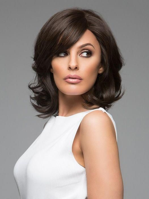 Fashionable wavy black shoulder length bob wigs fashioned shoulder length