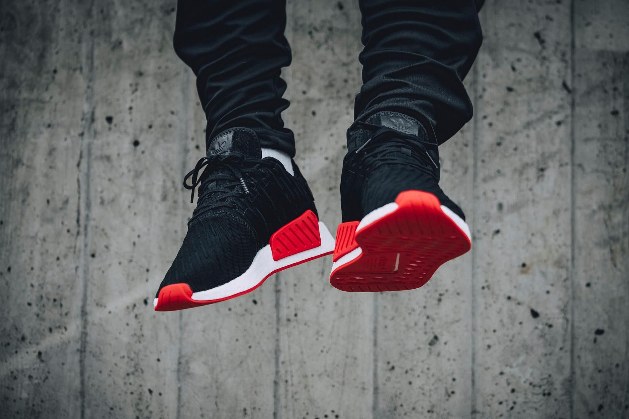 size 40 d5eb9 d5d70 adidas NMD R2 PK Core Black Core Red-1