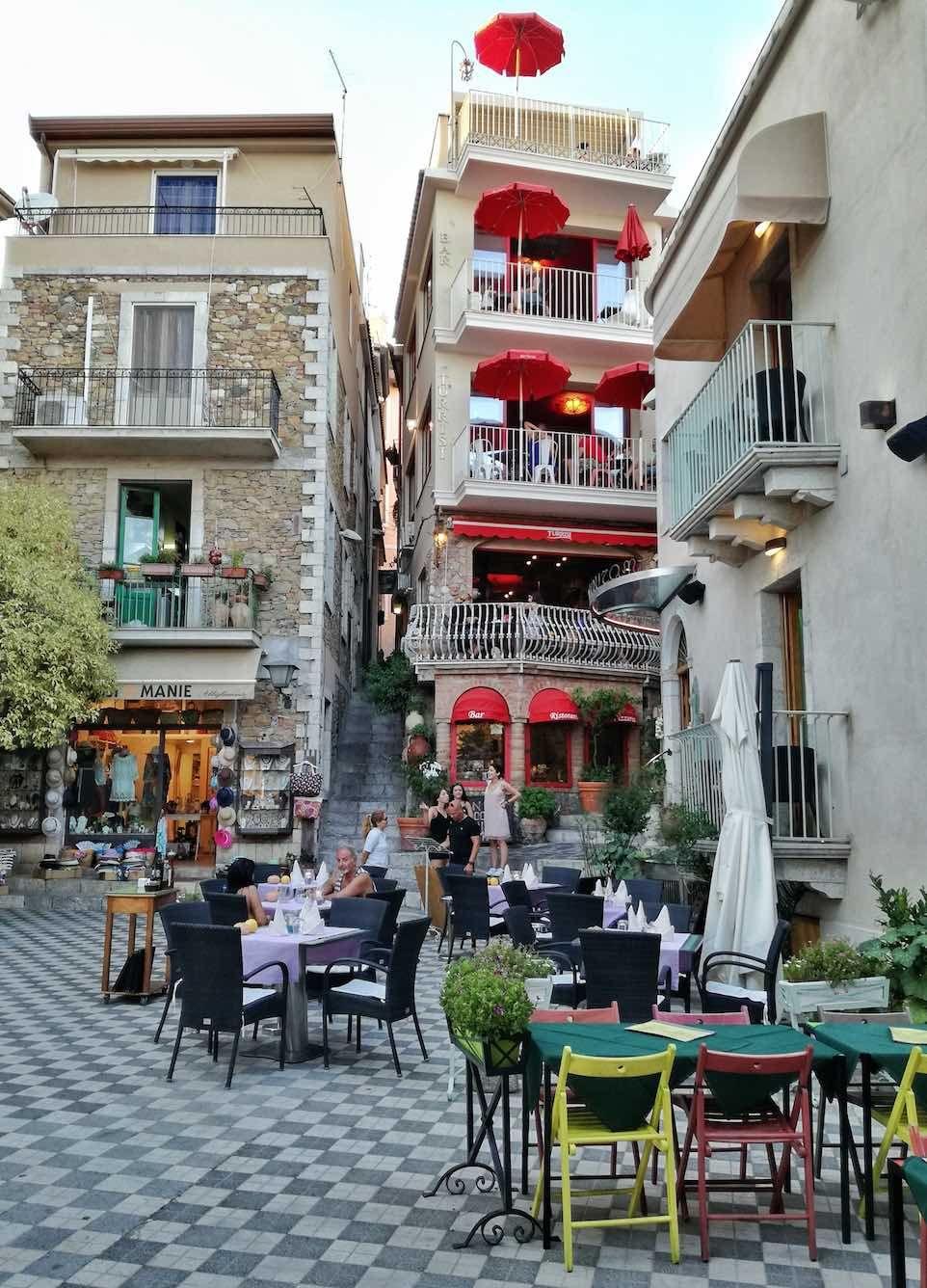Castelmola Il Borgo Nei Dintorni Di Taormina Sicilia Viaggi