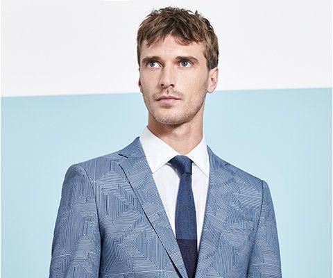 Blauer Anzug Weisses Hemd Und Blaue Krawatte Von Boss Moda Moda Masculina Masculino