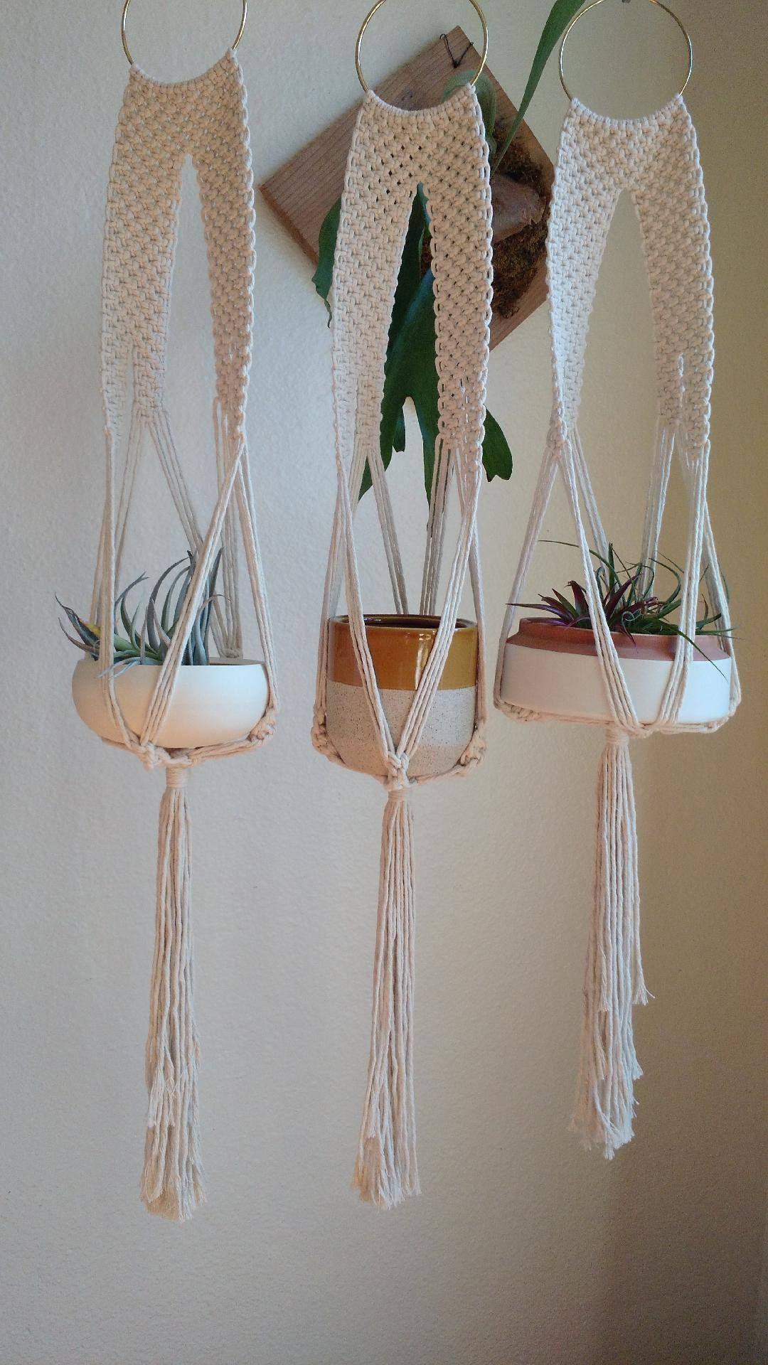 plant hanger macrame modern planter macrame plant hanging boho decor wall hanging planter. Black Bedroom Furniture Sets. Home Design Ideas