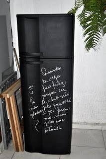 geladeira pintada com tinta lousa